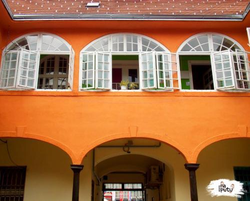 Hostel Na putu