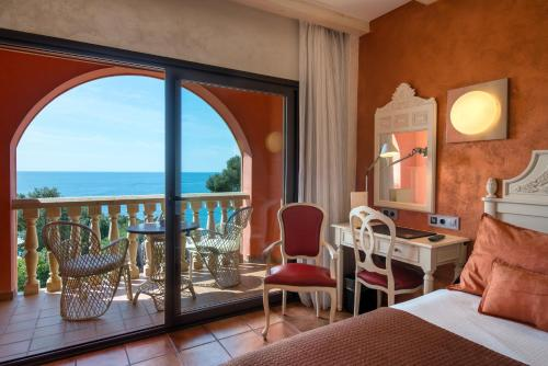 Double Room with Sea View with Spa Access Hotel & Spa Cala del Pi 4