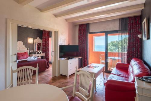 Suite with Sea View with Spa Access Hotel & Spa Cala del Pi 5