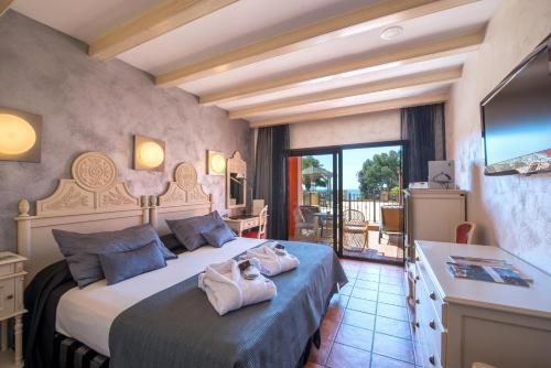 Double or Twin Room with Spa Access Hotel & Spa Cala del Pi 1