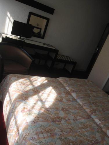 hotel des 3 marchands 3. Black Bedroom Furniture Sets. Home Design Ideas