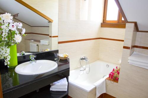 Habitación Doble - Ático con acceso al spa Hotel Del Lago 1