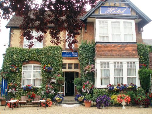 Photo of Abbington Hotel Hotel Bed and Breakfast Accommodation in Stevenage Hertfordshire