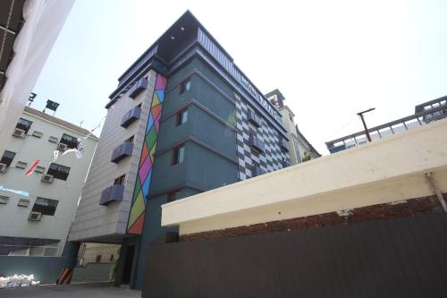 Motel Mac front view