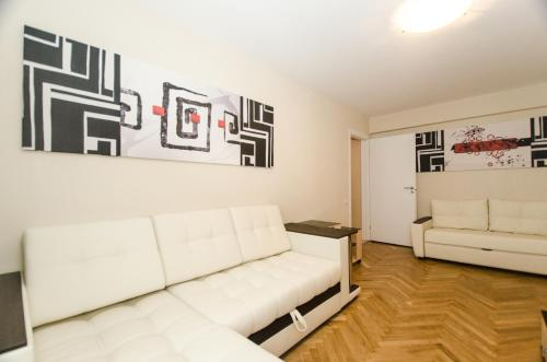 One-Bedroom Apartment - Leningradskiy Prospekt 4