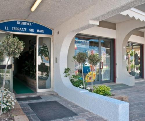 Best Price on Residence Le Terrazze Sul Mare in Bellaria-Igea ...