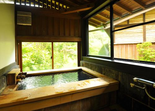 Deluxe Japanese-Style House with Open-Air Bath