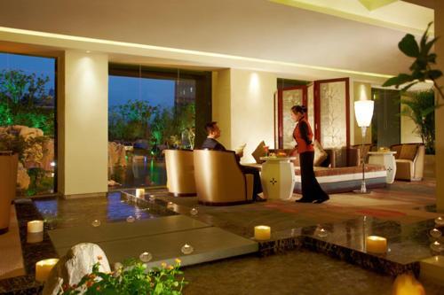 New Century Grand Hotel Tonglu