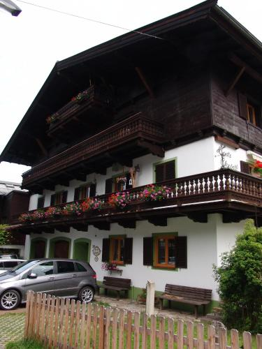 Pension Haus Christl (Bed and Breakfast)