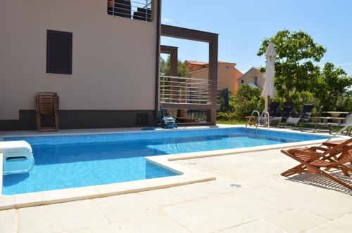 Apartments Branko 559