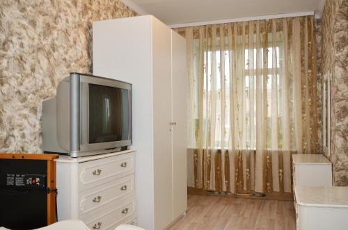 One-Bedroom Apartment - Bolshoy Kondratievskiy Pereulok 6