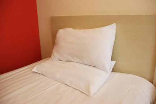 Отель Hanting Express Wuhan Hongshan Square Branch 2 звезды Китай