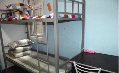 Mainland Chinese Citizens - Single Bed in Male Dormitory Room Chongqing Tongfu Inn