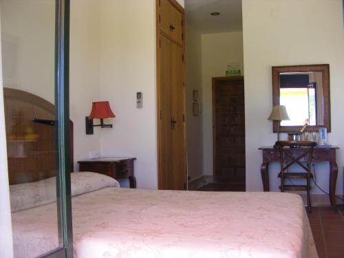 Doppel-/Zweibettzimmer mit Balkon und Meerblick Hotel Sindhura 4