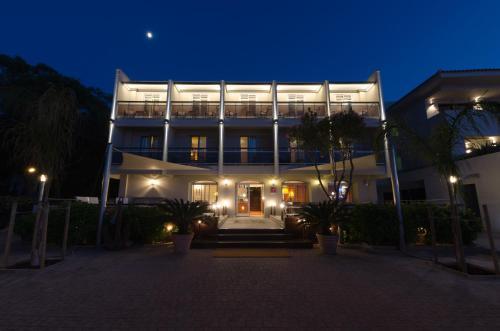 Отель Hôtel L'Amiral 3 звезды Франция