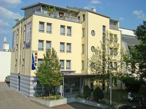 Picture of Senator Hotel