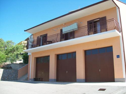 Guest House Luna front view
