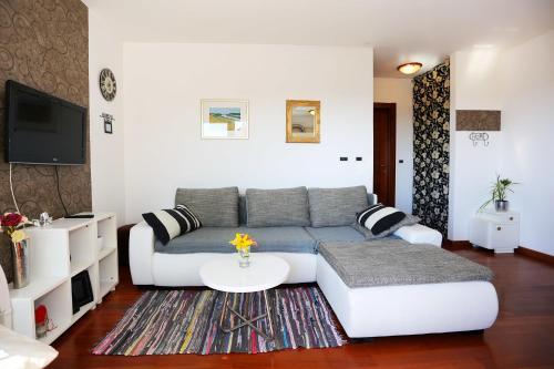Zadar Puntamika Apartments front view