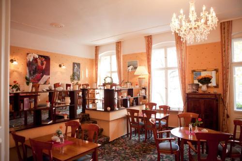 Kult-Hotel Auberge photo 29