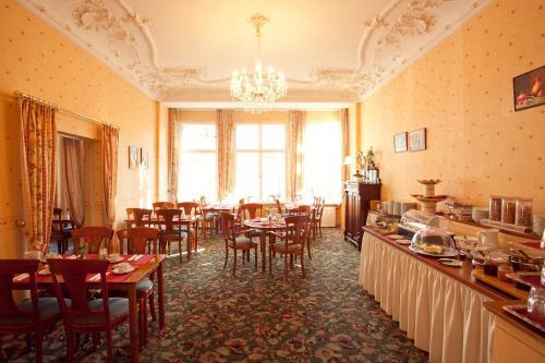Kult-Hotel Auberge photo 31