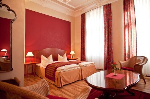 Kult-Hotel Auberge photo 33