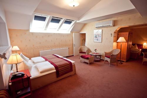 Kult-Hotel Auberge photo 41