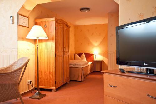 Kult-Hotel Auberge photo 14