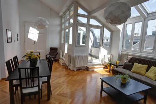 Gasser Apartments - Altstadt City Center - Apartment am Ring I - Gonzaga 17/15