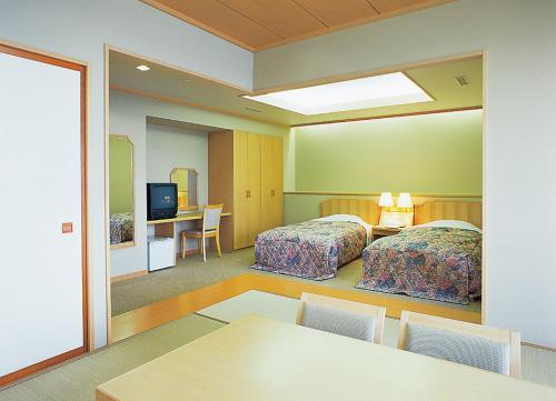 Room with Tatami Area and Sea View - Non-Smoking
