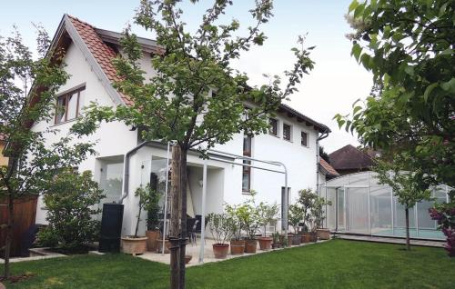 Three-Bedroom Holiday home in Bisamberg