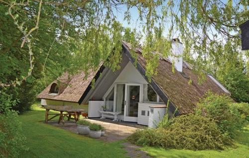 Two-Bedroom Holiday home with a Fireplace in Gilleleje