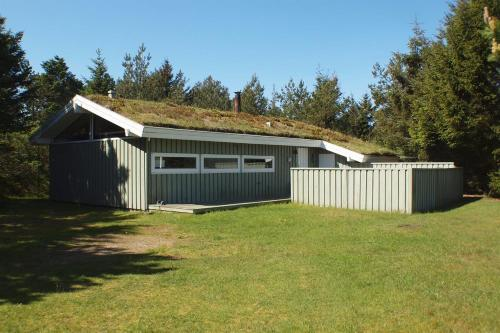 Three-Bedroom Holiday Home Saltum 09