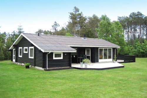Three-Bedroom Holiday Home Snedkervej 08