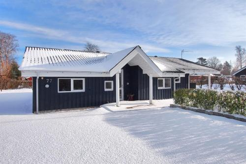 Four-Bedroom Holiday Home Br�ndb�kken with a Sauna 04