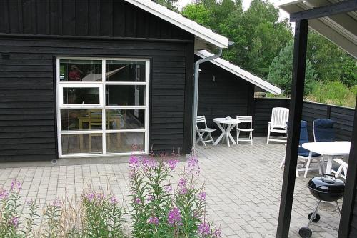 Two-Bedroom Holiday Home Johansens 02