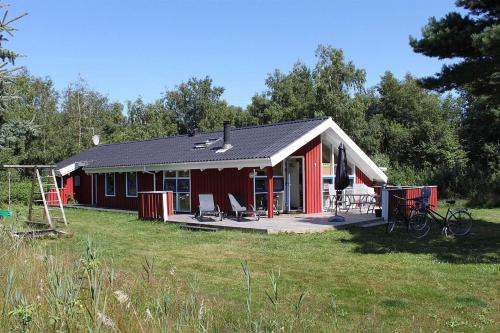 Three-Bedroom Holiday Home Revlingevej with a Sauna 01