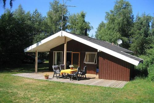 Two-Bedroom Holiday Home Mælkebøttevej 01