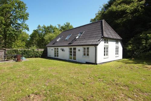 Two-Bedroom Holiday Home Tuegyden 02