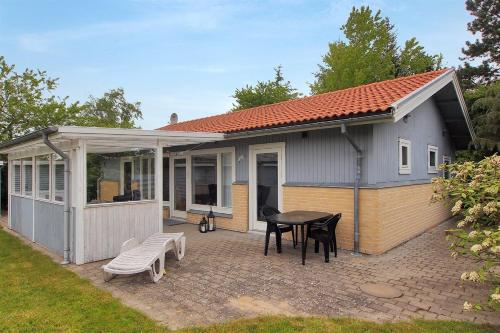 Four-Bedroom Holiday Home Skriverstr�de 04