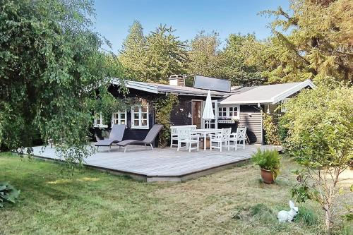 Two-Bedroom Holiday Home R�dtungevej 01