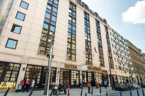Stay at Hotel Erzsébet City Center