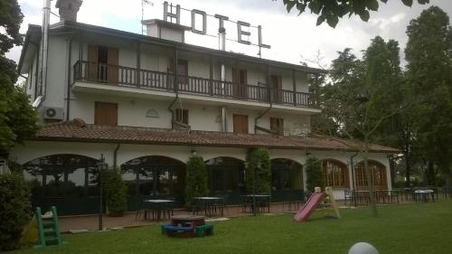 Hotel Verde Mare front view