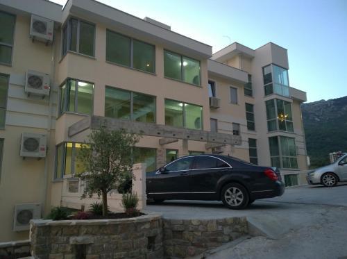 Отель Adriatic Cruiser Apartments 0 звёзд Черногория