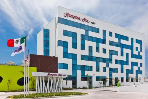 Picture of Hampton Inn by Hilton Ciudad del Carmen