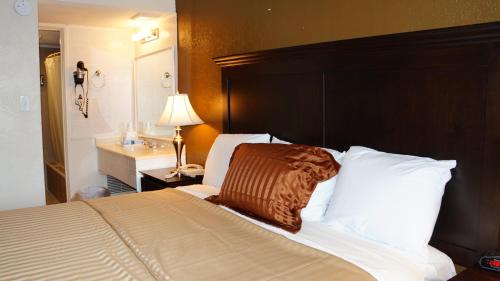 Americas Best Value Inn & Suites Kansas City