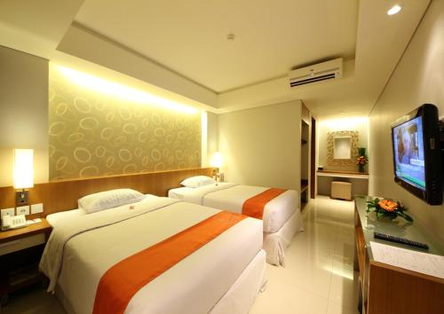 Group Package at 5 Deluxe Double or Twin Room with Pool View