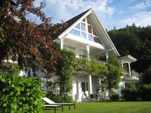 Seeapartments Elfie - Apartment mit 1 Schlafzimmer und Seeblick (2-4 Erwachsene)