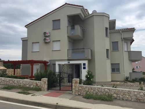 Apartment Karlo