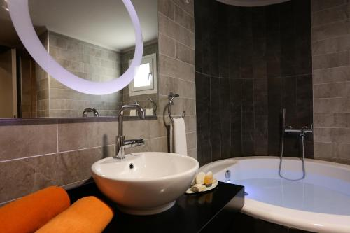 Suite mit eigenem Pool mit Spa-Paket (Suite with Private Pool with Spa Package)