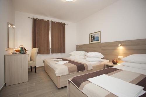 Apartments Bota